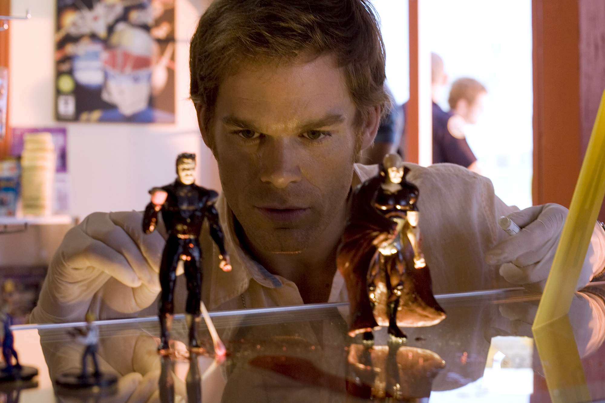 DEXTER (Season 2) - YEAR IN REVIEW