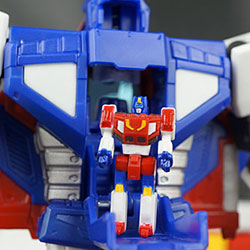 Masterpiece Star Saber Totally Lives up to Its Name